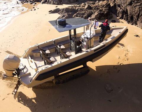 hem denizde hem karada giden araç tekne iguana